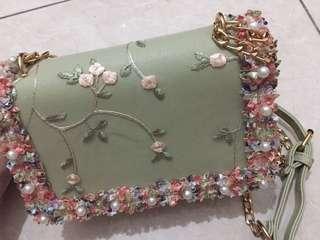 flowery sling bag 😍