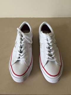 Sepatu Converse White One Star Leather Ox Trainers