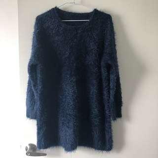 🚚 莫蘭迪深藍色毛海圓領長版針織上衣洋裝F
