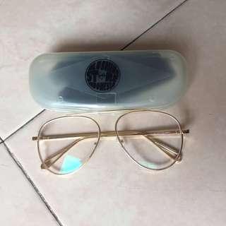 Kacamata Gold Frame