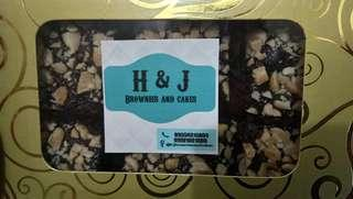 Wednesday sale!! BROWNIES of ASSORTED FLAVORS (NUTS,MALLOWS,OREO,WHITE CHOCO) for only P150.00/box ChocolateCrinkles @ 100.00 30-35pcs/cannister *STRICTLY MEET UP ONLY @SmNorth Edsa 5pm onwards.