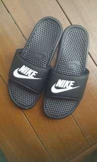 Adidas Benassi Sandal dark green