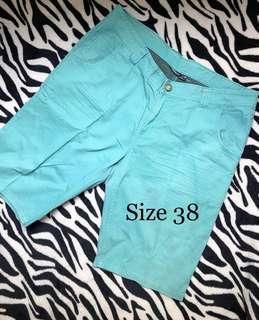 Celana pendek Pria Tosca Size 38