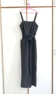 cotton on 92 black denim pinafore jumpsuit 🖤   bnwt