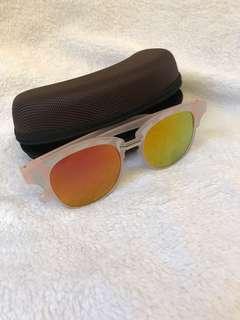 Sunglasses 太陽眼鏡