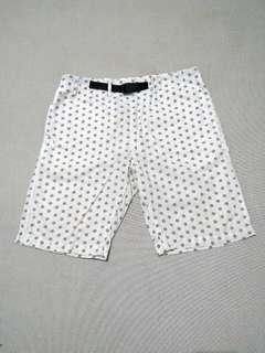 Celana Pendek Polkadot G.U by uniqlo
