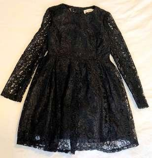 🚚 Back lace skater dress