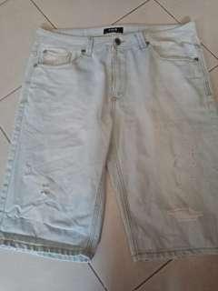 Plus size mens denim tattered shorts