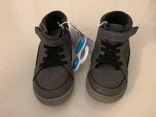 Mid cut sneakers (size 8)
