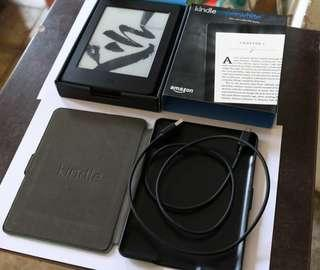 [Used] Amazon Kindle Paperwhite 3 – 9.5/10 Condition with Casing Included