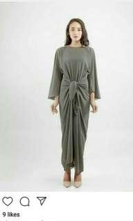 For Rent - Lily Petuna Bell Sleeve