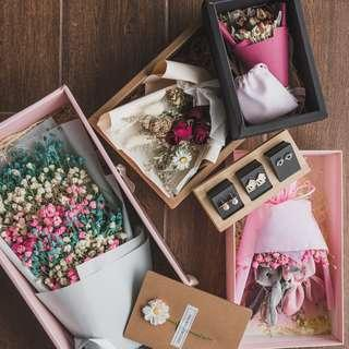 Bouquet | Graduation Flower | Birthday Gift Set | Preserved Flowers | Earrings | Bouquet ($20 /$28/$33/$35/$42) + Card ($3) + Earrings Storewide ($5) + Fairy Light ($3) + Set Discount ($3)