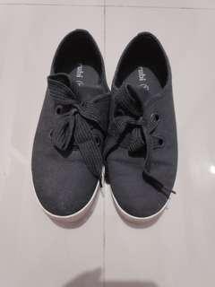 rubi sneaker black reprice
