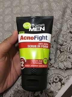 Garnier Men Face Wash Acno Fight