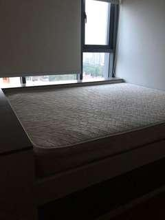 🚚 <free blessing> queen size mattress