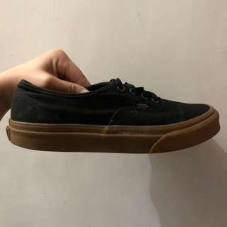 Vans Authentic Sneaker (black and gum)