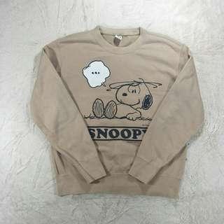 Uniqlo Snoopy sweatshirt