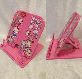 Hello kitty bookstand