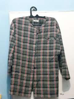 Satu set blouse dan celana kulot