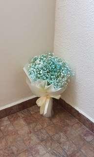 Baby's breath flower bouquet | graduation bouquet