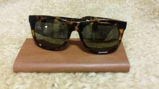 Sun glasses panther pattern