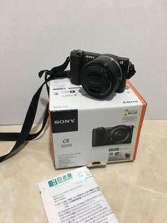Sony A5000 相機 百老匯購入有盒 有電池 有鏡頭蓋