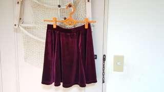 🚚 NET 深酒紅麂皮短裙