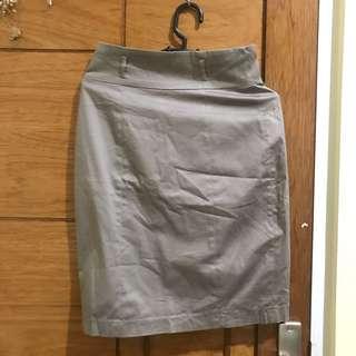 Grey Skirt accent