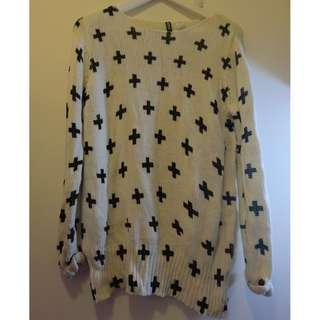 H&M Cross Pattern White Knitted Sweater