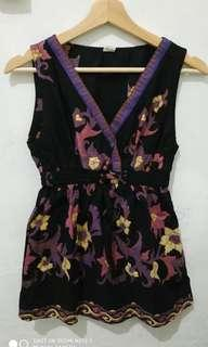 Mididress hitam motif batik bunga