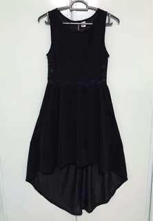 Light and sexy lace black dinner dress