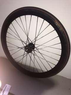 Fixed rear wheel
