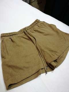 H & M brown suede finishing short pants