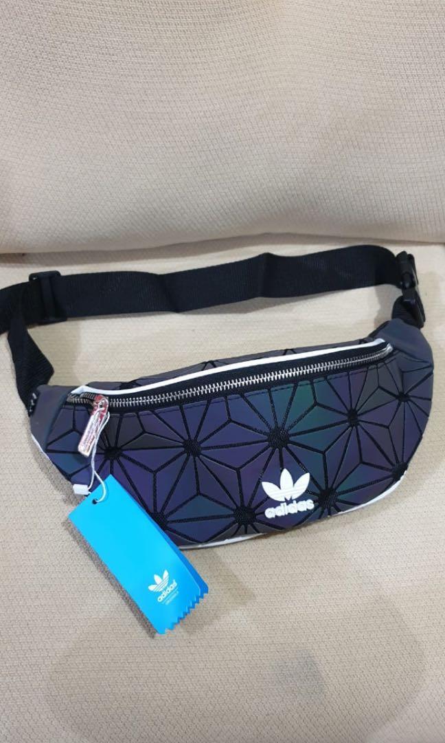 reputable site 2738f 45242 Adidas Xeno Reflective Waistbag, Men's Fashion, Men's Bags ...