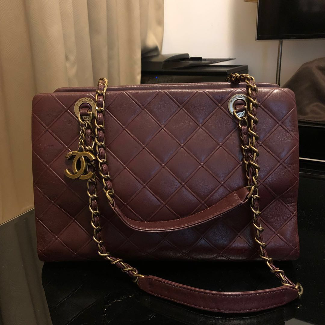 d0e0b10c054b Chanel chnael tote, Women's Fashion, Bags & Wallets, Handbags on ...