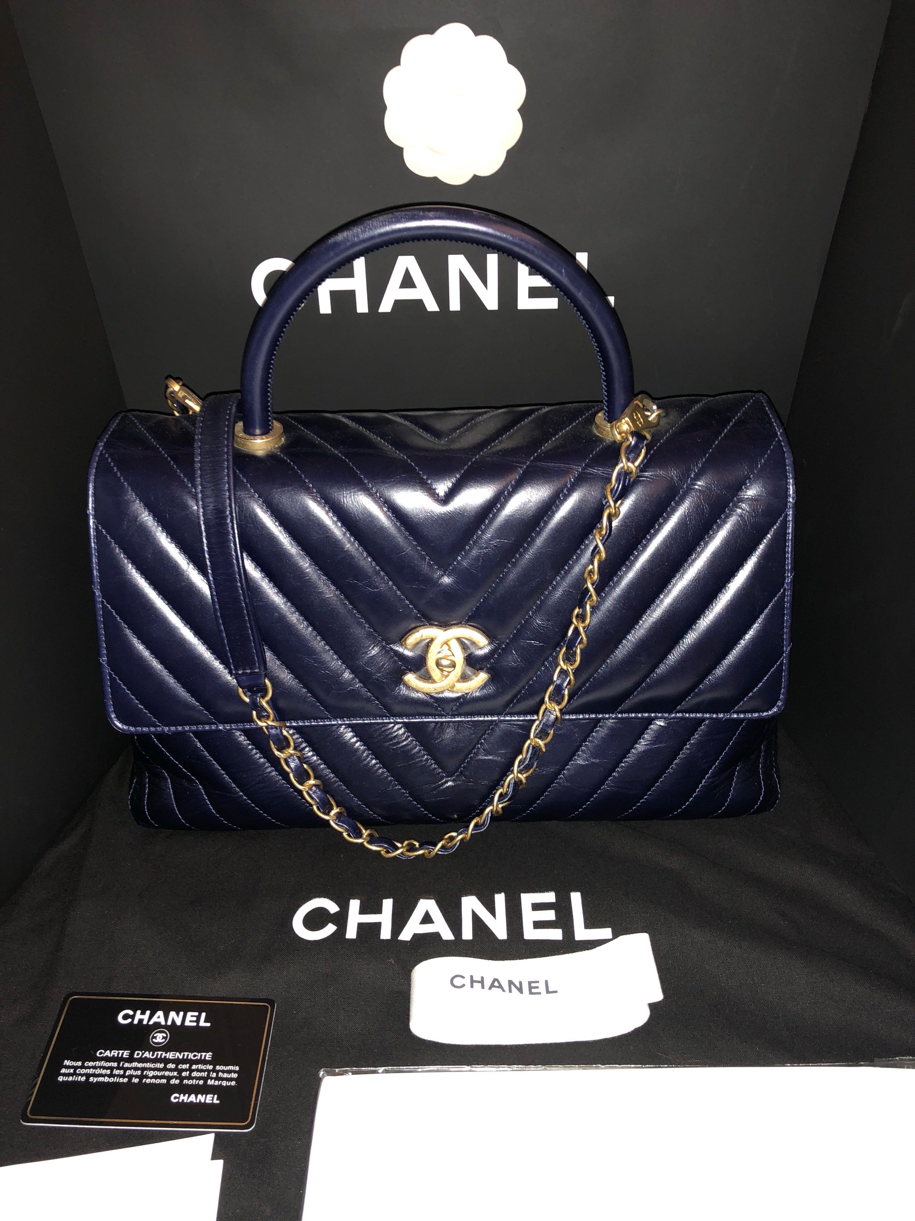 1a834e7437 CHANEL Coco Handle 2-Way Shoulder Bag Chervon Navy in GHW (Medium), Women's  Fashion, Bags & Wallets, Handbags on Carousell