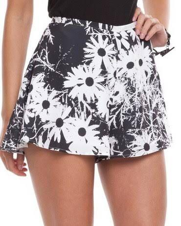 """Finders Keepers 2x """"Midnight Lover"""" shorts (pair) size M"""
