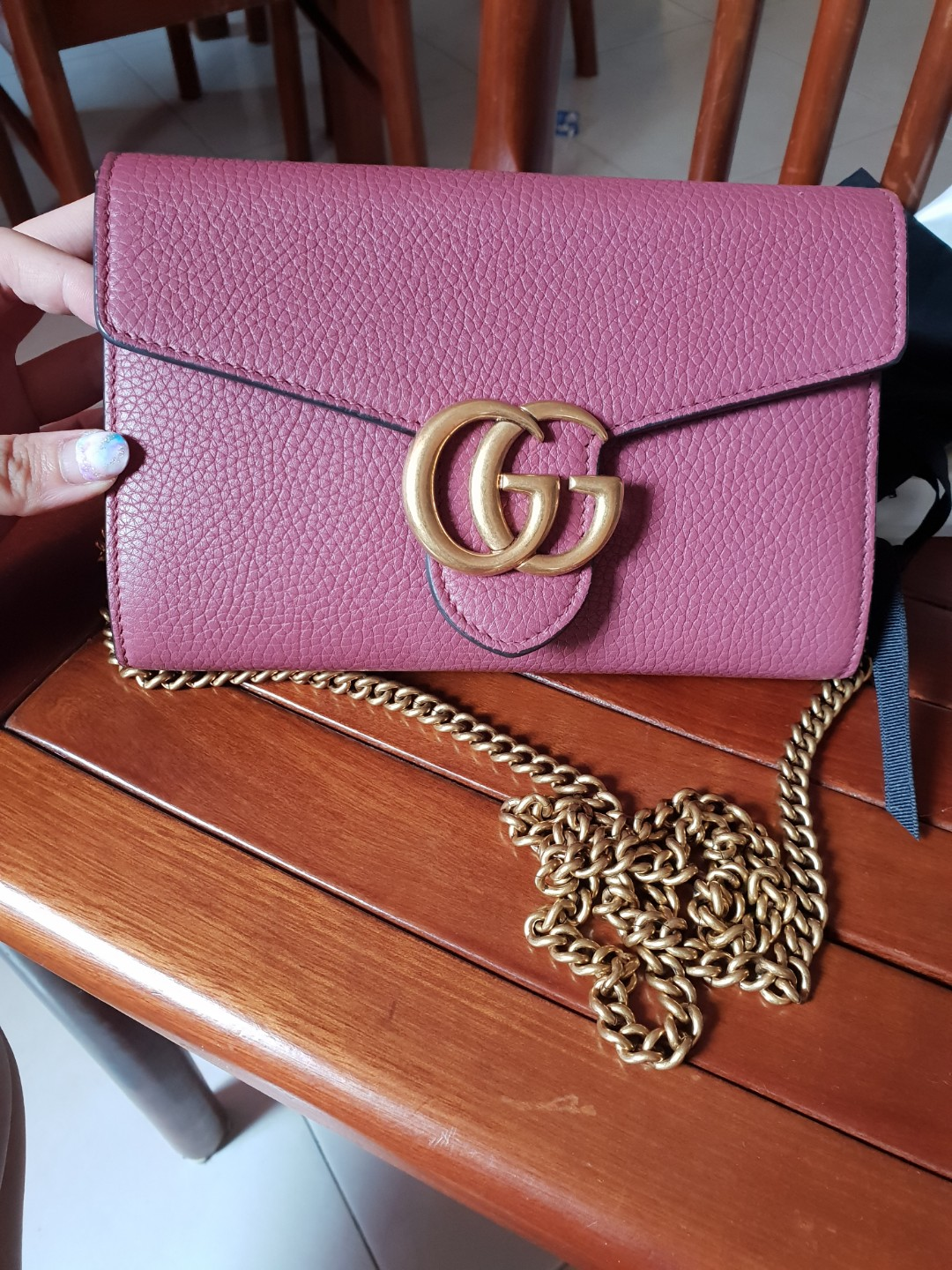 da6d4119540 Like new Gucci Marmont wallet on chain