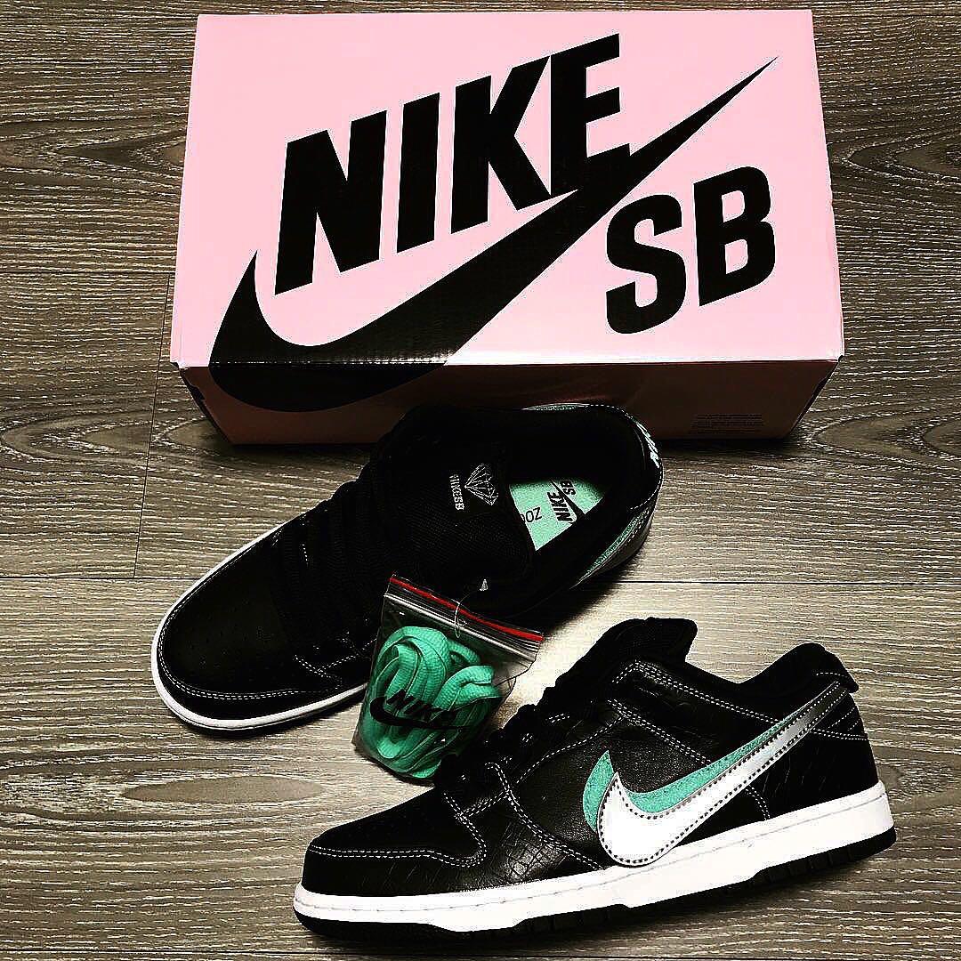 84a77b6f52 Nike SB Black Diamond Dunk US11, Men's Fashion, Footwear, Sneakers on  Carousell
