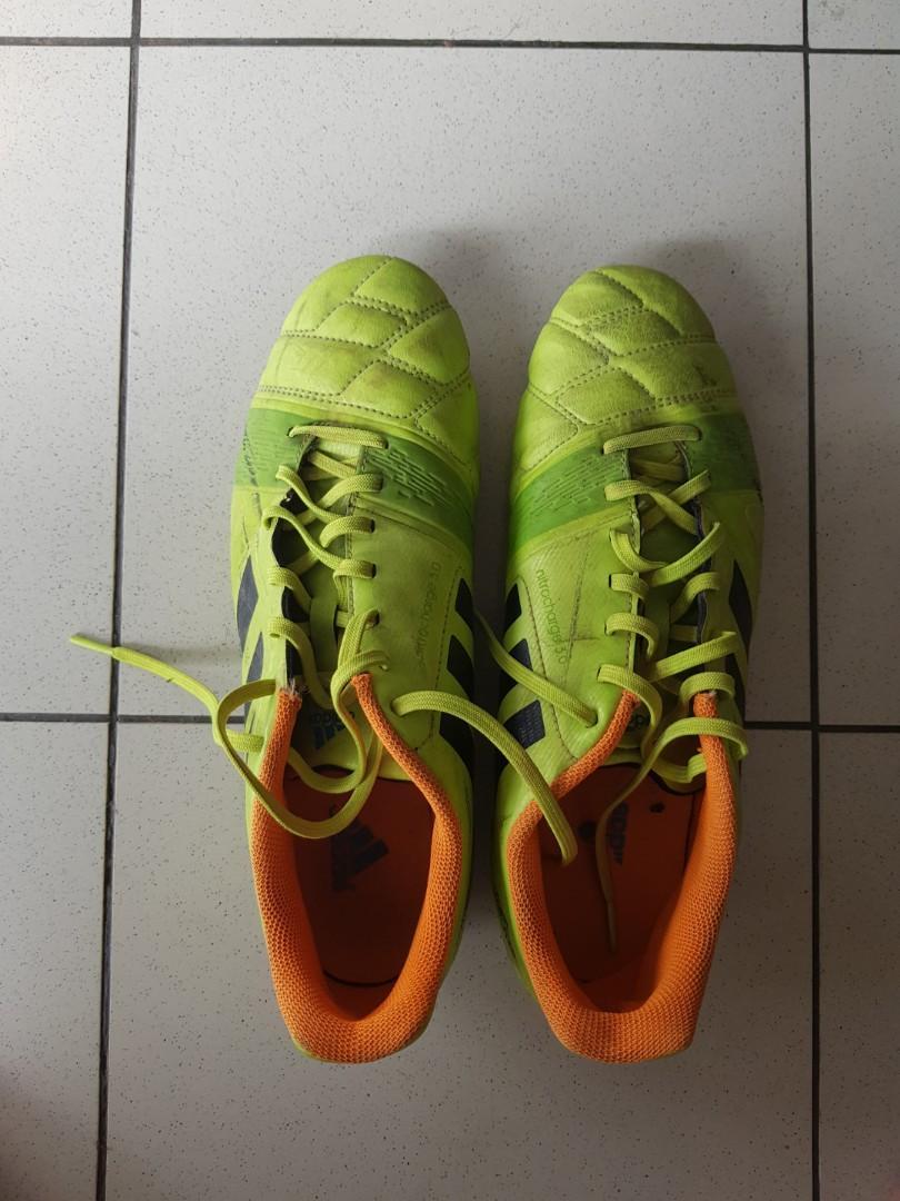 Sepatu Bola Adidas Nitrocharge 3 0 Ori Like New 43 2 3 Olah Raga Perlengkapan Olahraga Lainnya Di Carousell