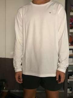 🚚 Tommy Hilfiger Long Sleeve w/ Small Logo White