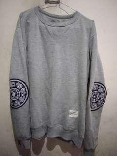 Sweater Screamous