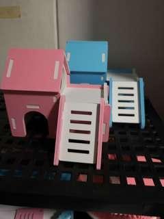 Hamster hideout for Syrians n dwarfs