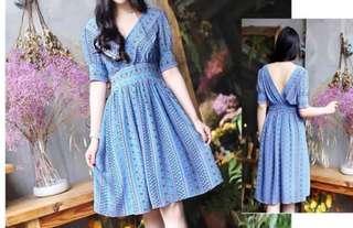 Dress blue flower