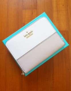 🚚 Kate Spade Cameron Street Lainie Wallet (Extremely rare and sold out color!)
