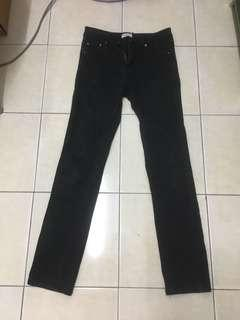 Black jeans applemints
