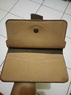 Dompet panjang bahan kulit