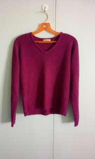 Dano V-Neck Sweaters
