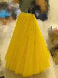 Bright Yellow puffy tulle skirt size small