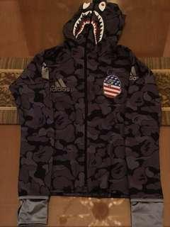 Hoodie adidas x bape size small 100% authentic